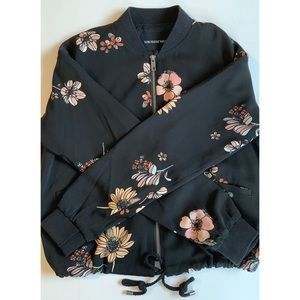 WHO WHAT WEAR ~Floral Bomber Jacket